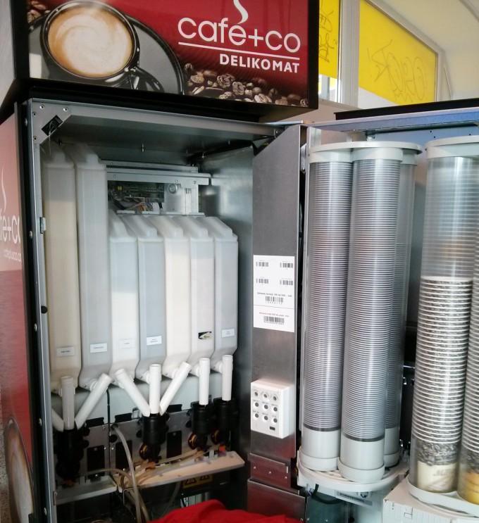 napojovy-automat-zevnitr-2